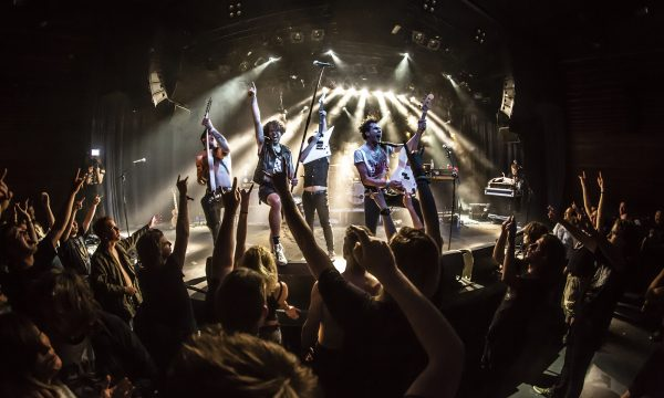 X-Raiders-Live-Mezz-Turboglam-Band-copyright-Tijs-van-Leur
